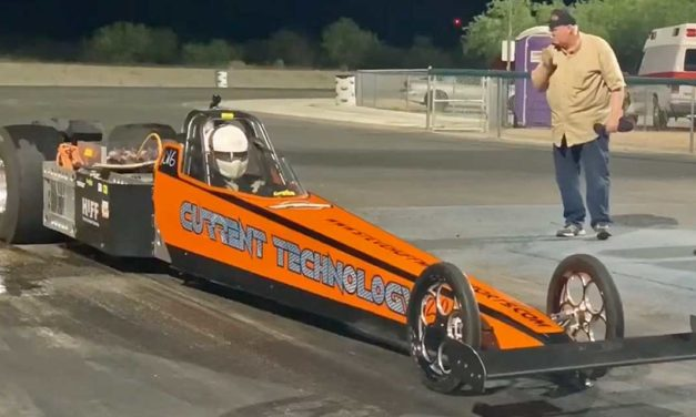 Local racer Steve Huff sets world record at 200MPH in electric dragster